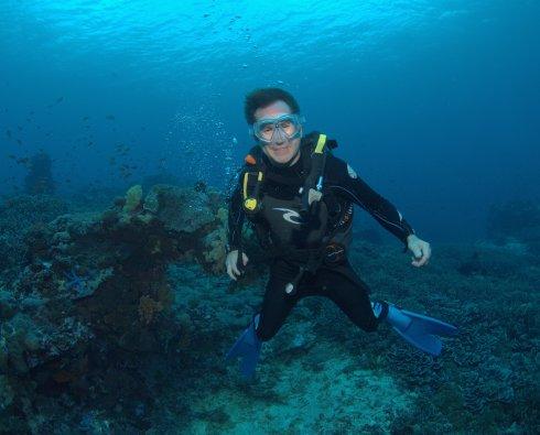 Cam Schwaiger DM underwater
